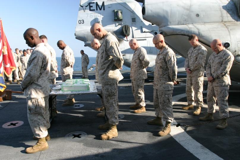 Marines praying